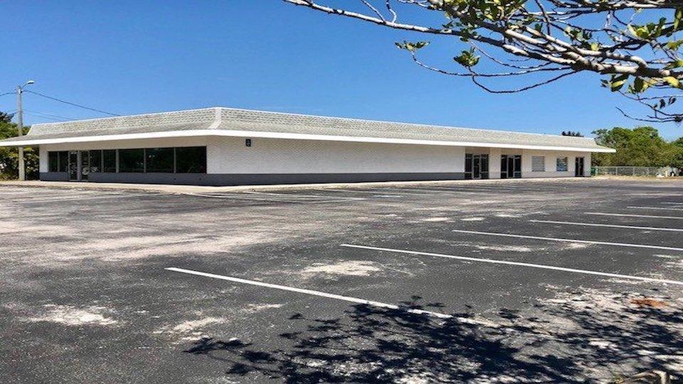 FOR LEASE – Shopping Center – Pine-Lake-Center-12001-12061 66th Street N., Largo, FL 33773