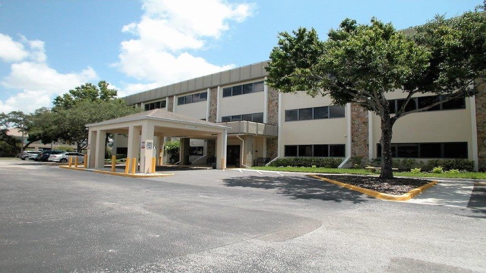 FOR LEASE – Offices – Pinellas Professional Center 7800 66th St N, Pinellas Park, FL 33781